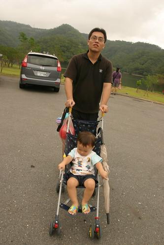 你拍攝的 龍潭湖:換手推車吧。