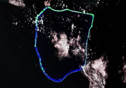 Apataki Atoll FP - Landsat ETM+ S-06-15_2000 (1-225,000)