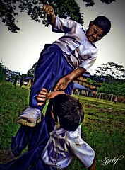 fight for the girl     -HDR (zzclef) Tags: school kids fat hero fighting bully hdr