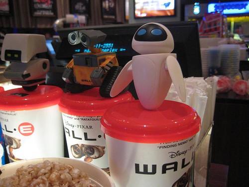 Wall-e replica as drinks cap