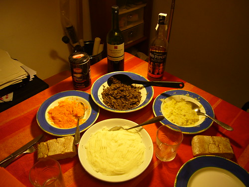 Haggis, tatties, cabbage and carrots