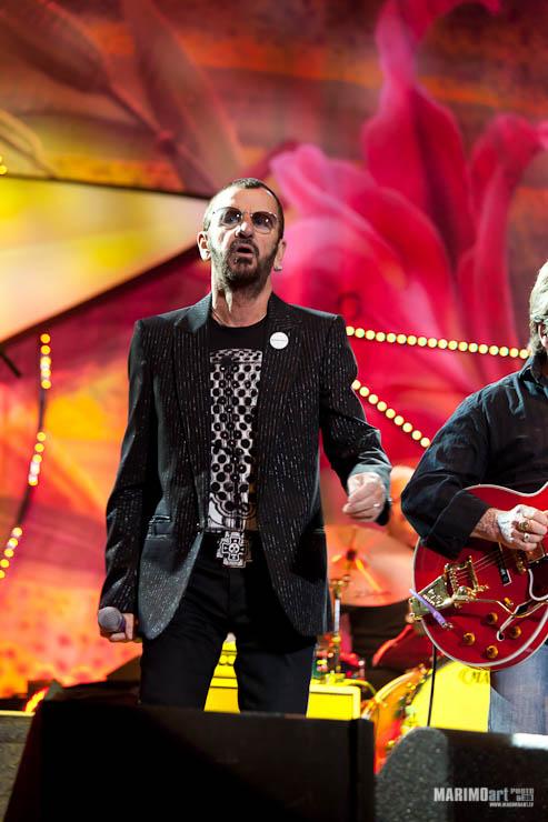 Ringo Starr Concert in Riga 2011-17.jpg