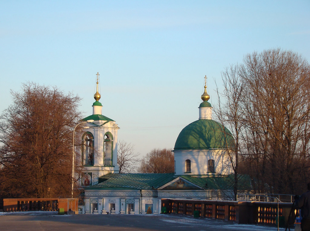 фото: Trinity church in Vorobyovo. Moscow, Russia