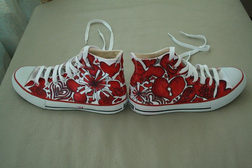 Custom Converse Shoe found at Flickr