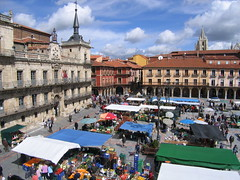 """Market in the Plaza • <a style=""""font-size:0.8em;"""" href=""""http://www.flickr.com/photos/48277923@N00/2622156013/"""" target=""""_blank"""">View on Flickr</a>"""