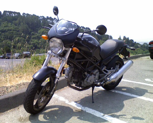 Ducati Monster 620. Ducati Monster 620 w/
