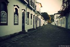 Silncio... (Luiz Henrique Assuno) Tags: street brazil brasil riodejaneiro paraty canon vintage eos rua 2008 40d licassuncao