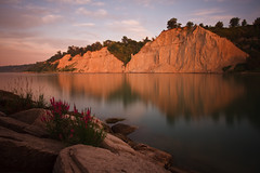 Scarborough Bluffs at Sunrise (zenlibra) Tags: toronto sunrise canonefs1022mmf3545usm ndfilter blufferspark neutraldensityfilter scarbouroughbluffs