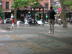 schoolyard doubles as off-hours playground in NYC (by: Lucas Berrini, creative commons license)