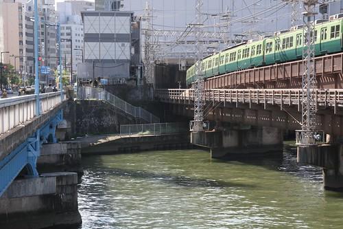 京阪電車天満橋駅方面
