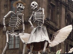 Baile macabro (José Lira) Tags: méxico anawesomeshot colourartaward