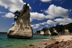 Cathedral Cove (mb arts) Tags: sea newzealand rock nikon coromandel neuseeland felsen cathedralcove 1755 d300 nkkor
