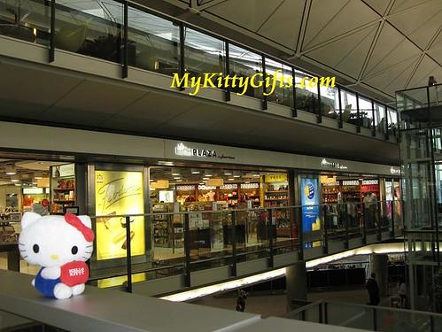 Hello Kitty Shopping at Hong Kong Airport