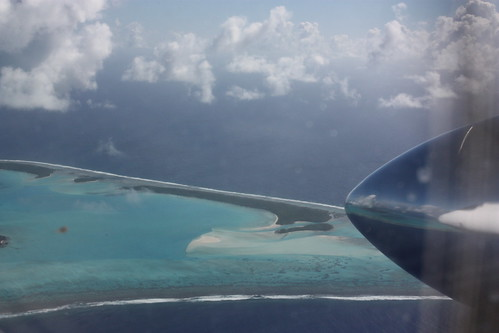 Flight to Aitutaki, Cook Islands