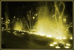 Fuente de aguas danzarinas (Sayyid Kadar) Tags: plaza luz miguel sepia mexico noche agua fuente colores guanajuato hidalgo irapuato danzarina