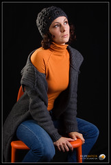 Carla (Filipe Batista) Tags: light portrait cute luz canon studio flash estudio softbox canonef24105mmf4lisusm 40d filipebatista