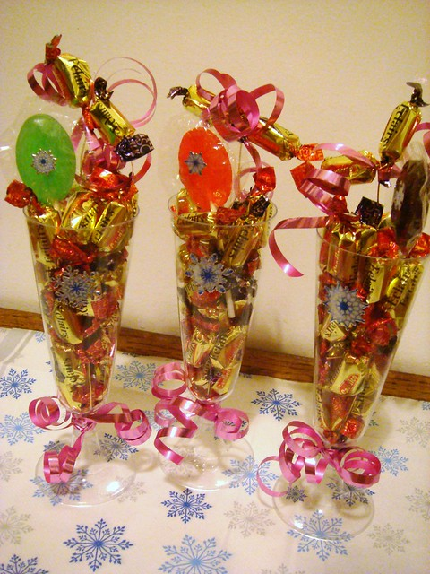 Easy Handmade Gift Bows for Christmas - Better Homes and Gardens