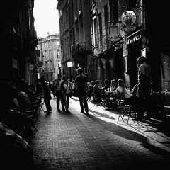 (Barry McGrath) Tags: street city summer people bw white black france streets june bar canon buildings eos holidays europe raw cityscape shadows bordeaux busy 2008 30d abigfave barrymcg bazzymcg