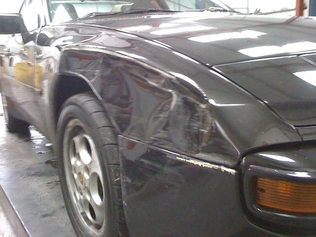 Rear wing damage 944