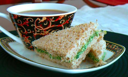 watercress tea sandwich. Ingredients: 1/4 cup alioli