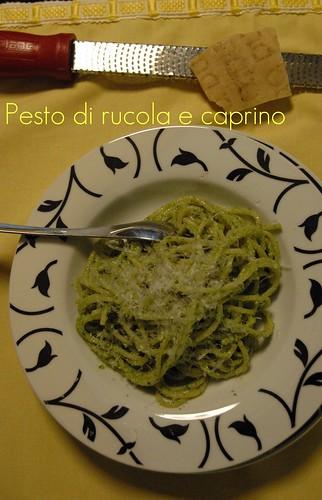 Spaghetti al pesto di rucola e caprino