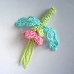 Blomslnda! (TM - the crocheteer!) Tags: pink blue white flower cute green art aqua dragonfly turquoise pastel crochet rosa craft fantasy tm fridakahlo imaginary lightblue iceblue vitt croche grn vit turkos hkeln virka virkkaus flowerfly virkat hekling towemy uncinetto pistachiogreen virkad slnda sculpturalcrochet inspiredbyart crochetsculpture isbl blomslnda tmcrocheteer