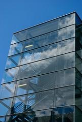 Cage de verre/ Die Hard 23 .../ Ze pige of Cristal 23 (Manotche-Kat (GAP)) Tags: city urban france glass clouds stairs landscape pentax cage reflet promenade lille nuages rectangle escalier ville nord verre gomtrique pentaxk10d