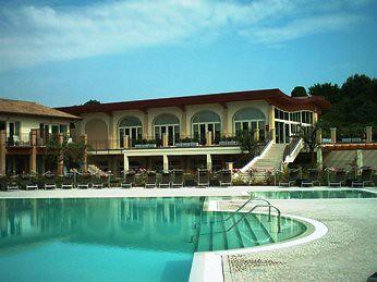 Sporting & Golf Hotel a Moniga del Garda: ovvero luxe, calme et volupté
