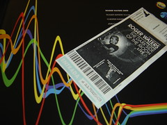 Roger Waters, foto del libro de concierto y entrada