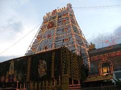 tirumalatemplenightview13 (srivenkateswaraswamy) Tags: balaji tirupati andhrapradesh tirumala chiranjeevi venkateswaraswamy suryanaidus