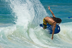 Bodyboarding-8 (2Chicos) Tags: beach sports hawaii waves places maui bodyboarding makena boogieboarding bigbeach