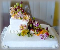 Tropical luau cake (girllizgr8) Tags: flowers cake fruit luau tropical