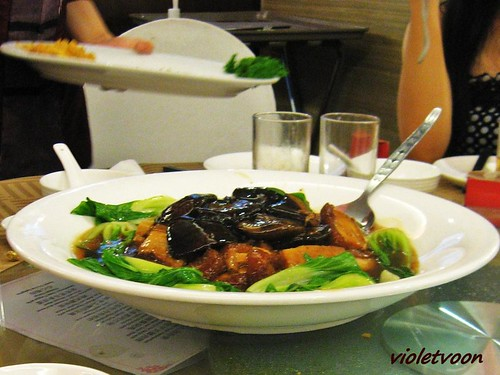 Braised Mixed vegetables with Fish maw and oyster sauce