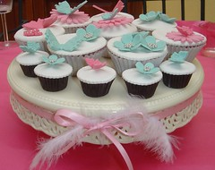 Pink & Blue (Cupcake Sisters (Senel)) Tags: birthday pink flowers blue girls party white kids cupcakes spain stuttgart turquoise almond butterflies cupcake vanilla mallorca cumpleanos badenwrttemberg pasteles illesbaleares tartas cupcakesisters