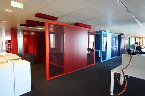 Kleurrijke vergaderruimtes