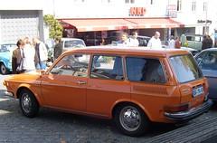 Volkswagen 412 LE Variant ... (bayernernst) Tags: auto old orange cars car vw volkswagen bayern deutschland alt september oldtimer autos 2008 oldcars variant aircooled landau pkw kfz vw412 luftgekühlt kraftfahrzeug oldtimertreffen boxermotor kraftfahrzeuge vw412le flickrblick 28092008 oldtimertreffenlandau landauadisar 3laundaueroldtimertreffen volkswagen412le volkswagen412 sn200485 volkswagen412levariant