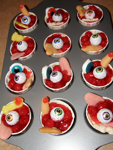 Bloody Mini cheesecakes with eyeballs and bodyparts