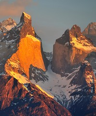 Sunset on Cuernos del Paine, Paine massif, Chile (sbvon) Tags: chile voyage travel patagonia mountain latinamerica southamerica montagne sunrise chili torresdelpaine horn patagonie d300 amériquedusud amériquelatine corne cuernosdelpaine levédusoleil 18200afsdxvrf3556