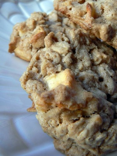 MIH Product Reviews & Giveaways: Apple Cinnamon Oatmeal Cookies