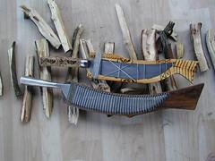 Tayal knives (Yugan Dali) Tags: knife taiwan cedar aborigine cypress indigenous 刀 hinoki tayal 泰雅 銅門 檜 番刀