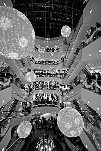 Karstadt in Leipzig - IMG_3892-Lightroom-10.0-22.0 mm-10 mm-1-80 sec at f-4.0-ISO 200
