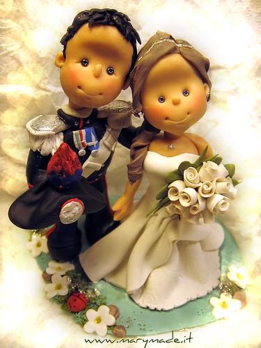 Il Cake Topper di Maria Grazia e del suo Carabiniere in Alta Uniforme