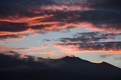 The gift of the day (Hlose Picot) Tags: sunset silhouette clouds tramonto nuvole nuages etna vulcano volcan etnaland coucherdusoleil