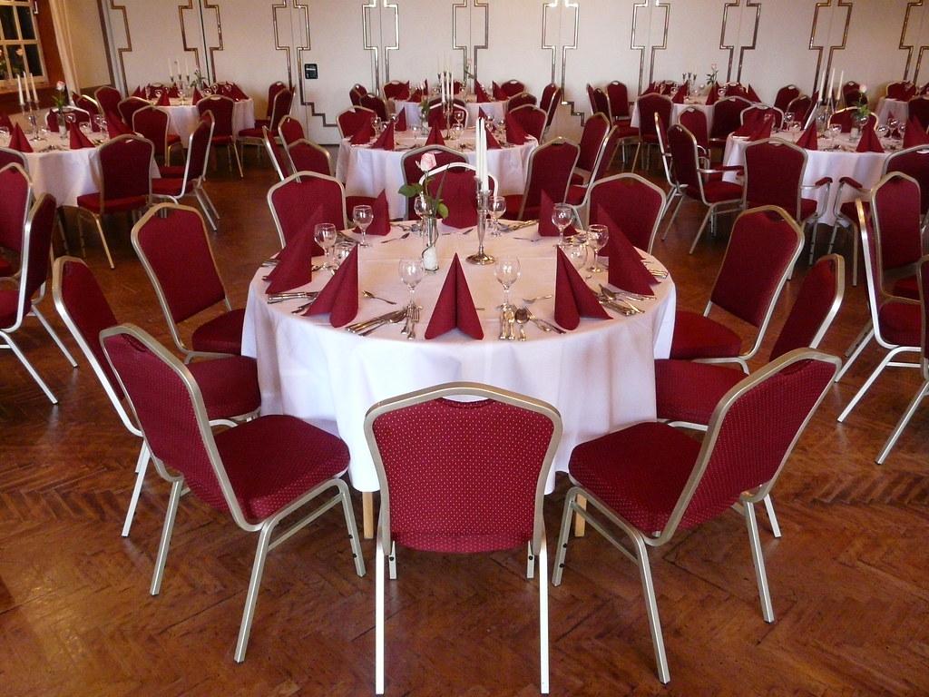 Detailansicht Runde Tische (Hotel Restaurant Hagen In Haren/Ems) Tags:  Restaurant Hotel