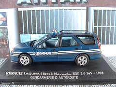 "ACHAT DU JOUR (1a) : Collection "" RENAULT Collection "" - N 67 (Limousin 33) Tags: model break nevada police renault laguna toycar phase2 143 diecast gendarmerie universalhobbies rxe"