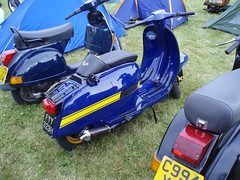 peachy's gp (mark & anne's photos) Tags: vespa rally lambretta scooters custom scooterrally bretta ronniebiggs
