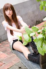 (swanky) Tags: portrait people woman cute girl beauty canon asian eos model asia pretty taiwan babe taipei   tamron 2008 taiwanese 30d  a16   1750mm   difocus  tamronspaf1750mmf28xrdiiildasphericalifmodela16  angel198817    hongshih