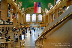 Grand Central Station, New York city (amycicconi) Tags: newyorkcity travel newyork architecture train subway photo publictransportation crowd americanflag landmark tourist architectural historic busy transit grandcentralstation d200 concourse traveler nikond200 businesstraveler amystrycula strycula astrycula