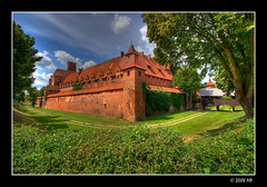 The moat of the Malbork castle (Mariusz Petelicki) Tags: poland polska hdr canonefs1022mm 3xp canon400d mariuszpetelicki zamekmalbork castlemalbork