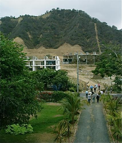 Vistazul-Ecuador-beach-condos